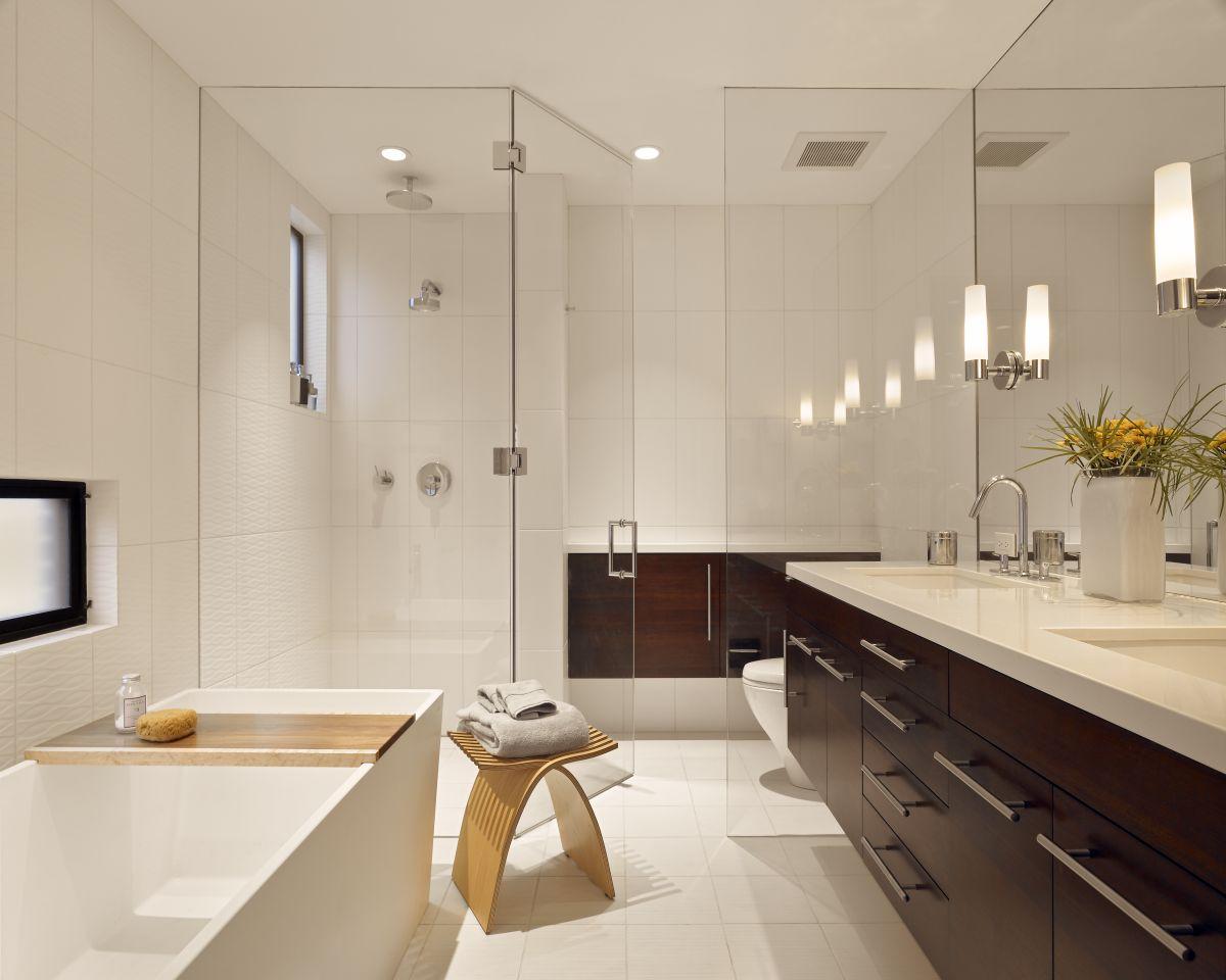 Interior Exterior Plan | Stylish modern bathroom design with white ...