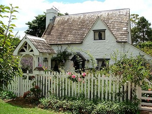 Cottage of the Week: Country Cottages - Home Bunch - An Interior ...
