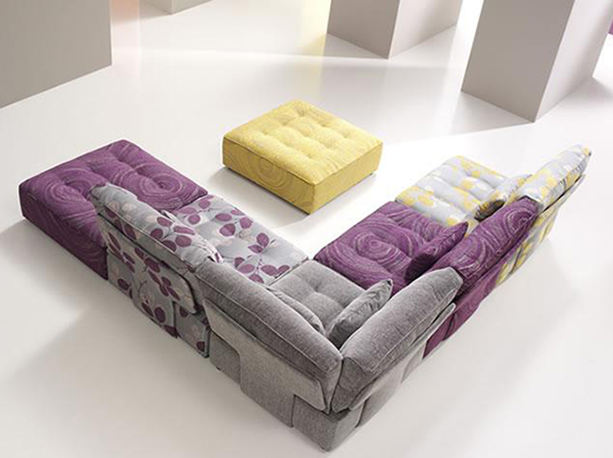 Cozy..! Modular Sofa Design in Living Room by Fama